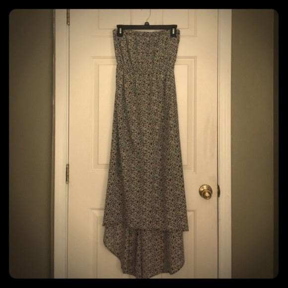 maitai Dresses & Skirts - Maitai Floral Maxi Dress (EUC)
